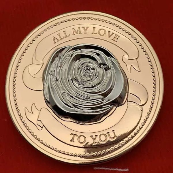 Love rose tridimensional gold coin